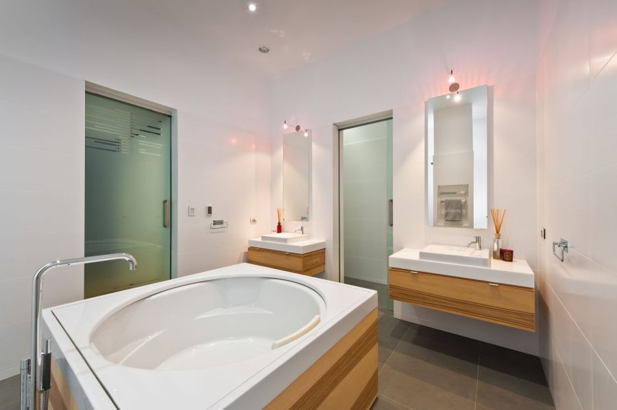 Renovating with Beautiful Practical Bathroom Designs